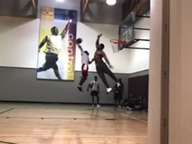 Myles Garrett shows off his incredible basketball skills at local gym