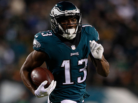Watch: Nelson Agholor takes off on toss-counter for 21 yards