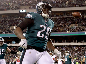 Watch: Eagles score first TD of game on clutch fourth-down run by Blount