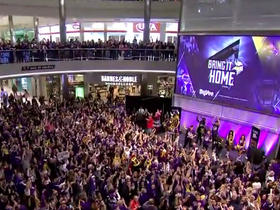 Watch: Hundreds of Vikings fans fill Mall of America for epic Skol chant