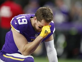 Watch: Rapoport: Adam Thielen has 'slight fractures in his back'