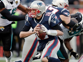 Watch: Brady keeps it on QB sneak for first down at Jags' 7-yard line