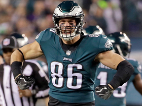 Watch: Zach Ertz fired up after fighting for third-down conversion