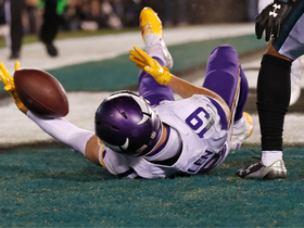 Watch: Adam Thielen almost hauls in ridiculous fourth-down TD catch