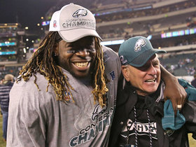 Watch: 'Jay Train' conducts Eagles' celebration as Nick Foles comes off the field