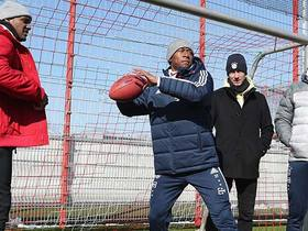 Watch: Deshaun Watson teaches FC Bayern players how to throw a football