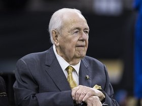 Watch: Omar Ruiz: Former players, team owners pay last respects to Tom Benson