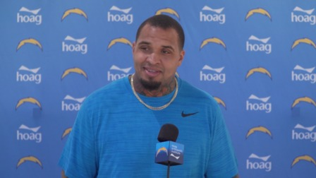 Los Angeles Chargers Center Mike Pouncey Reacts To His