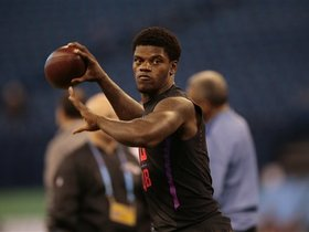 Watch: Ian Rapoport: Patriots would have to 'change everything they do' if they draft Lamar Jackson
