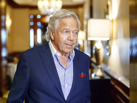 Judy Battista: Robert Kraft expects Tom Brady to be at minicamp