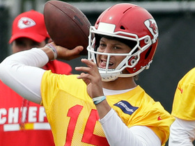 Mahomes throws to Watkins, Hill during third week of OTAs