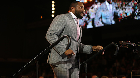 cheap for discount d0ece e5a60 Ray Lewis is introduced at the 2018 Gold Jacket Ceremony ...