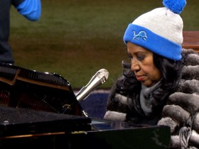 Watch: Aretha Franklin sings epic rendition of National Anthem