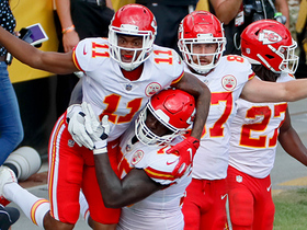 Watch: Mahomes finds Robinson in back of end zone for his fifth TD of game