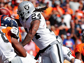 Watch: Marshawn Lynch leaps over the line for a 1-yard TD