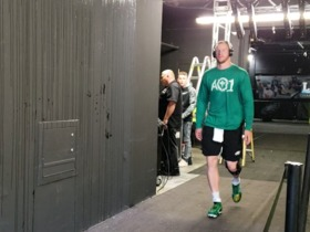 Watch: Carson Wentz takes the field prior to Week 3 start vs. Colts