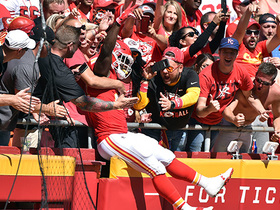 Watch: Kareem Hunt pushes into the end zone for his second TD of the day