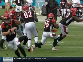 Watch: Bernard sprints through gap for 23-yard gain