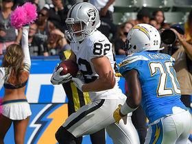 Watch: Carr connects with Nelson for Raiders' first TD