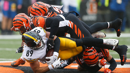 promo code efac4 9e216 Vance McDonald sheds tackle after tackle for 26 yards - NFL ...