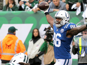 Watch: Luck finds Erik Swoope in the diagonals for a quick TD