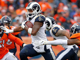 Watch: Gurley pulls away from defender on 21-yard run