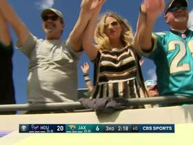 Watch: Can't-Miss Play: Kessler's first Jags TD is one-handed catch by Yeldon