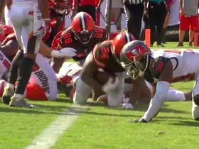 Watch: Nick Chubb's patience pays off with 1-yard touchdown