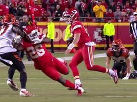 Watch: Mahomes zig-zags through Bengals' D for first down
