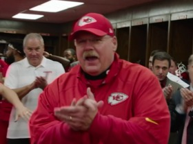 Watch: Clark Hunt presents Andy Reid with the game ball after his 200th win on Sundy