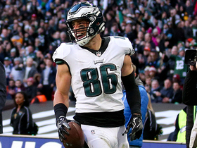 Watch: Ertz snags a laser TD pass to add to Eagles' late lead