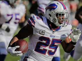 Watch: LeSean McCoy spins away from tackle for 23-yard gain