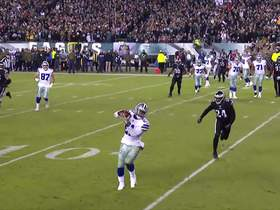 Watch: Zeke gets open along the outside for TD catch