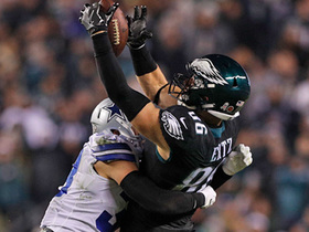 Watch: Eagles' fourth-down play comes up just short of chains