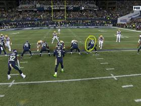Watch: Carson slices through Packers' defense for critical fourth-down pickup