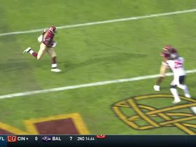Watch: Peterson bounces outside for Redskins' first TD