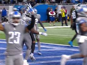 Watch: Two-point try is no good as Cam's pass sails over Wright
