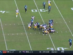 Watch: Vince Williams halts Fournette for KEY third-down stop