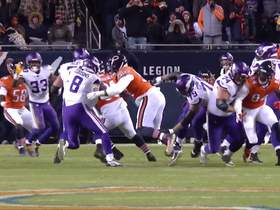 Watch: Mack maneuvers past the O-line to sack Cousins