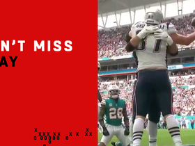 Watch: Can't-Miss Play: Gronk goes up between three defenders for epic TD