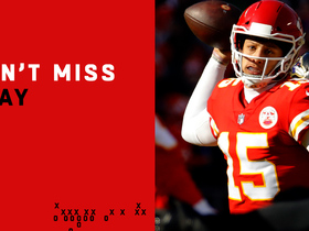 Watch: Can't-Miss Play: Mahomes takes sidearm pass to a new level