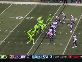 Watch: Big-man George Fant rumbles for 9 yards on first catch of the season