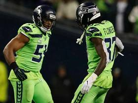 Watch: Wagner, Seahawks STONEWALL Murray on fourth-and-short
