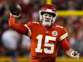Watch: Mahomes shows unreal poise on last-second TD toss to Robinson