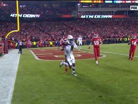 Watch: Nelson's costly holding penalty gives Chargers a first down on fourth-and-short