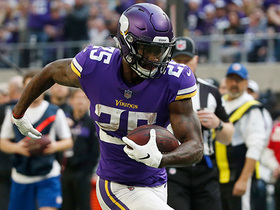 Watch: Latavius Murray bursts in for an 18-yard TD