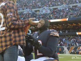 Watch: Bears LT Charles Leno proposes to his girlfriend on field after clinching NFC North