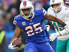 Watch: McCoy bulldozes past defenders for 9-yard TD