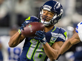 Watch: Wilson LAUNCHES 53-yard bomb to Lockett