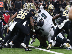 Watch: Nick Foles reaches over the pile for goal-line TD